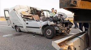 Tragédia Kónynál: már csak a sofőr holttestét tudták kihúzni a roncsból - fotók