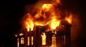 Csúnyán bántak vele, rájuk gyújtotta a Sopron környéki házat