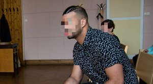 Vallomás: Kállay-Saunders fejbe rúgta az ájult bátyámat