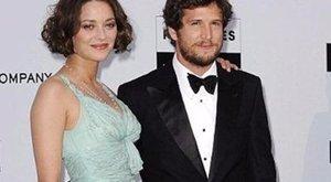 Üzent a mocskolódóknak a Brad Pittel összeboronált színésznő férje
