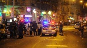 Teréz körúti robbantás: küzdenek a rendőrnő életéért