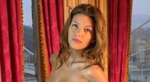 Fülledt képeket osztott meg magáról az ÉNB szexi sztárja - fotók