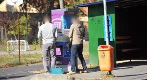 Pechszéria: milliós tételben loptak hőpapírt a BKV automatából – karambolozott a helszínre siető rendőrautó