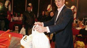 Gyurcsány 60 milliót húzott ki párttársai zsebéből