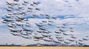 Zseniális! Így nézne ki, ha minden repülő egyszerre szállna fel