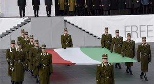 Lemaradt a zászlófelvonásról? Nálunk megnézheti!