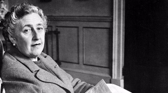 Elárverezik Agatha Christie szegedi levelét