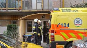 Magatehetetlen budapesti férfi mellett halt meg az ápolója
