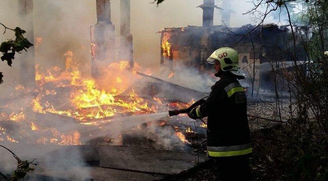 Teljesen kiégett egy pilisi malom
