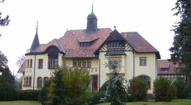 Gyógyvíz táplálja a Berzsenyi-kastélyt