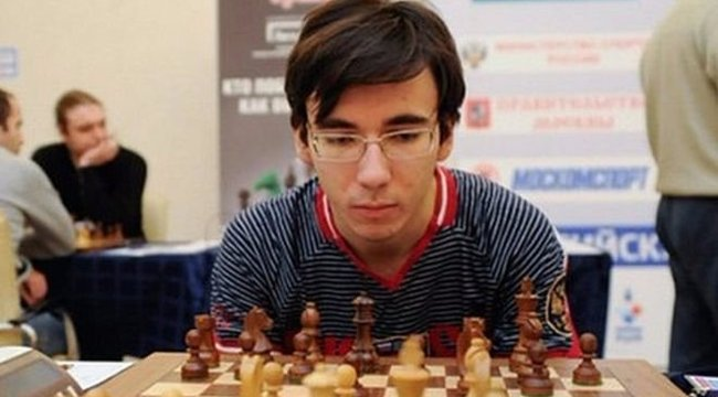 A 12. emeletről zuhant le az ifjú sakknagymester