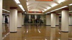 Három hónapig nem áll meg a 2-es metró a Kossuth téren