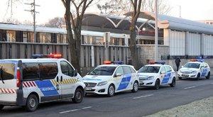 Összeütközött két metró a Pillangó utcánál – többen megsérültek (képek)