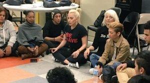 Kegyetlenül őszintén vallott betegségéről Lady Gaga