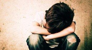 Véresre pofozta a nyolcadikos Benjámint a plébános