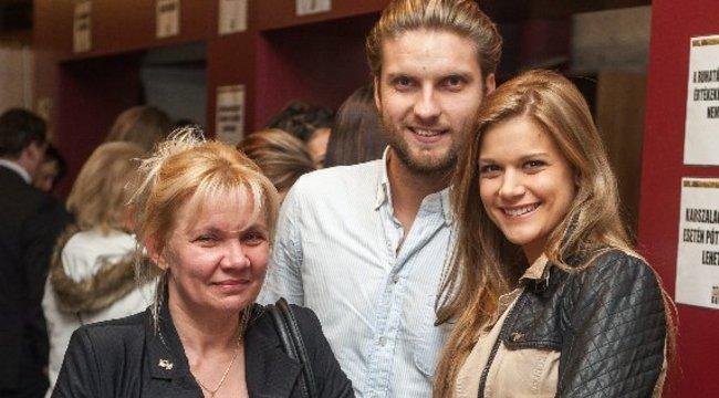 Nem ment el nagymamája temetésére Weisz Fanni