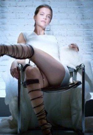 Csúcsra ért: Palvin Barbara leiskolázta Sharon Stone-t