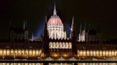 Miért kell szenteste is dolgozni a parlamentben?