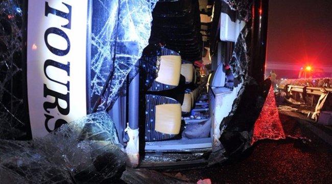 Ezért történhetett a halálos buszbaleset az M3-ason