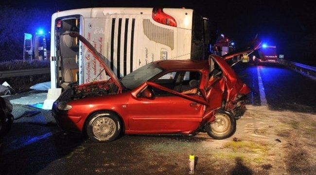 Buszbaleset az M3-ason: nőtt a halálos áldozatok száma
