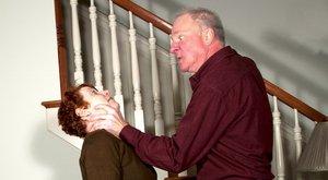 Peter vallomása:Elegem lett belőle és megfojtottam!