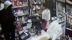 Keresik az eladónőt is megsebesítő debreceni rablót