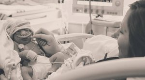 Szervdonornak szülte meg életképtelen kisbabáját