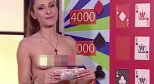 Meztelen műsorvezetőnő buzdít játékra a cseheknél