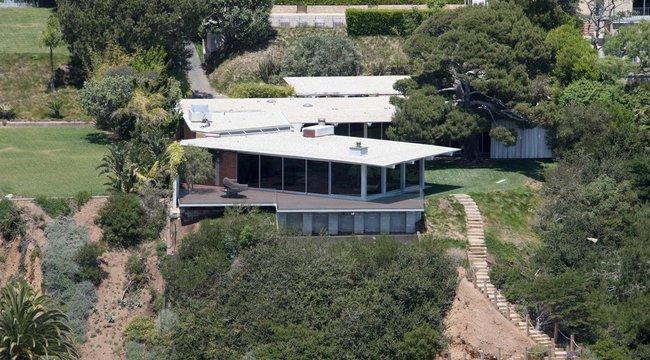 Két luxusvillában terpeszkedik Angelina Jolie