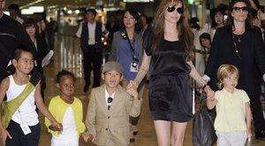 Találkozni akar Angelina Jolie örökbefogadott lányával a biológiai anyja
