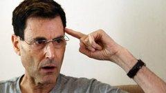 A CIA is tesztelte Uri Geller paranormális tehetségét!Szemmel kellett volna disznótölni