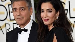 Így próbálja titkolni állapotát Clooney neje – fotó
