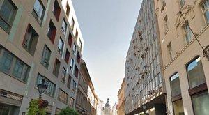 4 milliárdért vett egy játékboltos ingatlant Budapest közepén. Vajon miből?