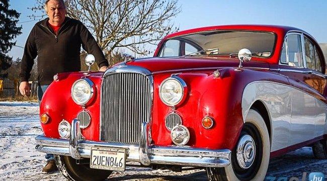 Magyar restaurátornál áll abelga királyi klub 60 éves luxusautója