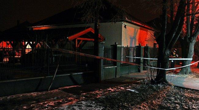 Szívében késsel találtak meg egy idős férfit Budapesten