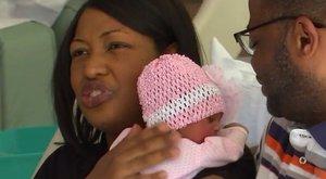 Hihetetlen egybeesés: egy napon született apa, anya és a kislányuk is