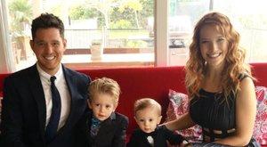 Örömteli hírek érkeztek Michael Buble rákos kisfiáról