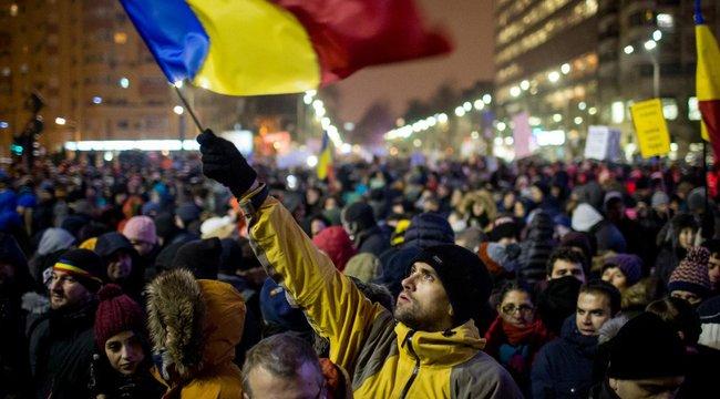 A román kormány hatálytalanítja vitatott rendeletét