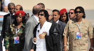 Hatodik érzékükkel védték a szüzek a szexragadozó Kadhafit