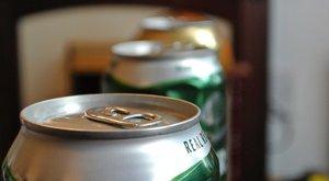 Legurított nyolc sört, majd nekiesett az anyjának az állapotos nő