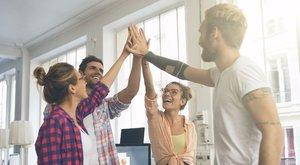 Beilleszkedés az új munkahelyen: fecsegés helyett inkább dolgozzon!