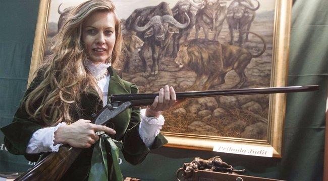 A vadászat számomra életforma - film is készült Adriennről