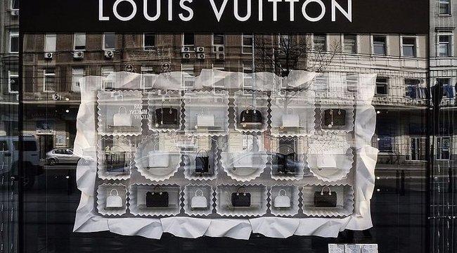 A hülyének is megéri Louis Vuitton-vonalzót venni!