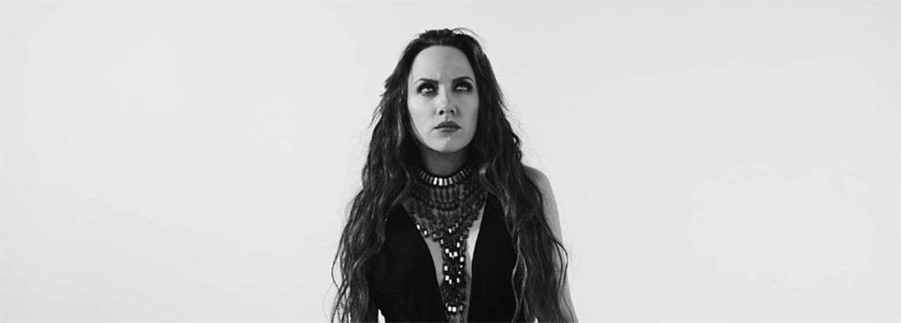 Durva: Tóth Gabi öngyilkos lett új klipjében - videó