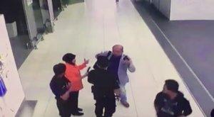 Videó került elő Kim Dzsong Un féltestvérének meggyilkolásáról