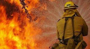 Holttestet találtak a tűzoltók egy kigyulladt szigetszentmártoni házban