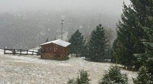 Hatalmaspelyhekben hull a hó a Mátrában – fotók