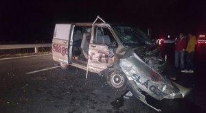 Borzalmas balesetben sérült meg VV Leó és 3 operatőr – fotók