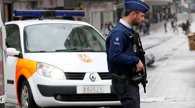 A tömegbe akart hajtani Belgiumban egy férfi, az utolsó pillanatban kapcsolták le