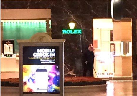 Pánik: disznófejes férfi lövöldözött Las Vegasban – videó